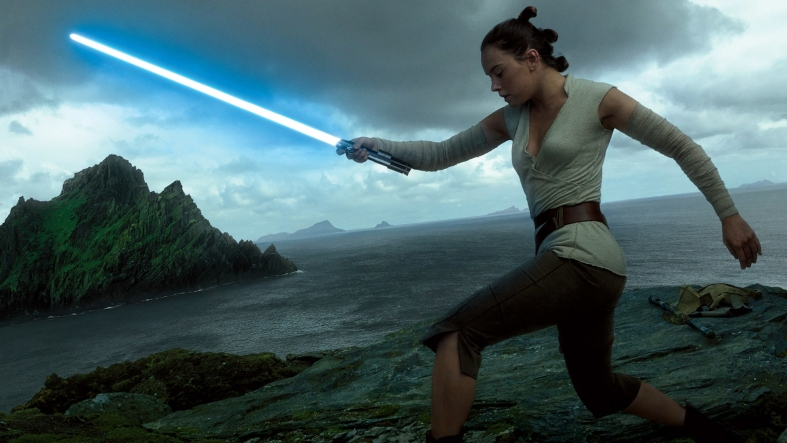 rey-ligthsaber-star-wars-the-last-jedi-1414